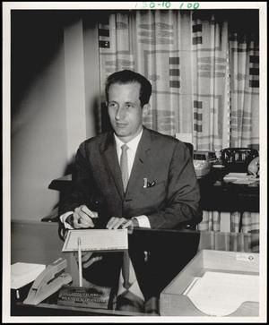 Primary view of object titled '[Photograph 2012.201.B0410.0220]'.
