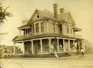 Primary view of object titled 'J.A. Madden Family's Victorian Style Home, Ardmore, Oklahoma'.