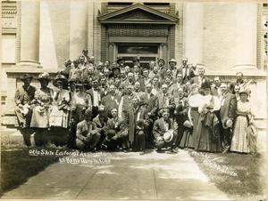 Primary view of object titled 'Oklahoma State Editorial Association at the El Reno Public Library'.