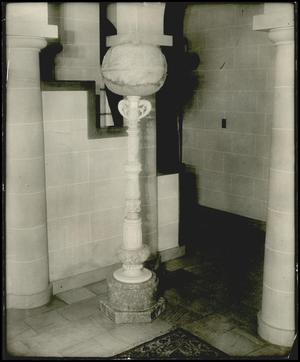 Primary view of object titled '[Photograph 2012.201.B0260B.0087]'.