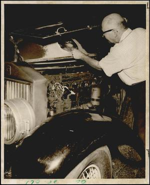 Primary view of object titled '[Photograph 2012.201.B1169.0458]'.