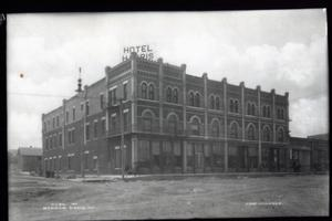 Primary view of object titled 'Harris Hotel in Ada, Oklahoma'.