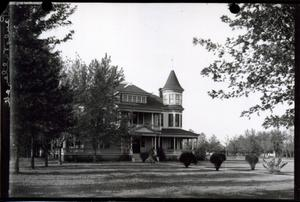 Primary view of object titled 'Grant Residence in Pauls Valley, Oklahoma'.