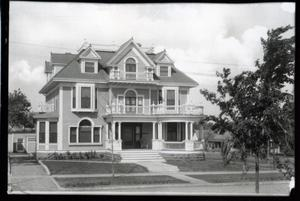 Primary view of object titled 'Clinton Residence in Tulsa, Oklahoma'.