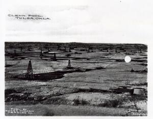 Primary view of object titled 'Oil Field Near Glenn Pool, Oklahoma'.
