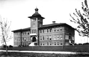 Primary view of object titled 'Kendall College Main Building in Tulsa, Oklahoma'.