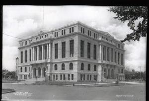 Primary view of object titled 'Courthouse in Tulsa'.