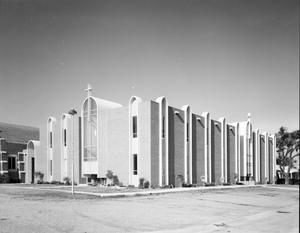 Primary view of object titled 'Putnam City Baptist Church'.