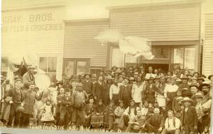 Primary view of object titled 'Crowd of Iowa Indians in Guthrie'.
