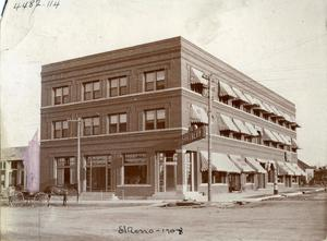 Primary view of object titled 'Southern Hotel in El Reno'.
